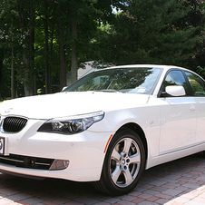 BMW 535xi Automatic (US)