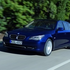 BMW 525d Touring Auto Executive (E61)
