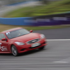 Vettel also taught Jade to drive in an Infiniti G37