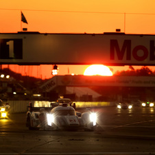 Audi took an easy victory in Florida with a five-lap lead