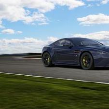 Aston Martin V8 Vantage S Red Bull Racing