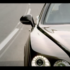 Bentley deutet das Design des Wagens in einem Video an