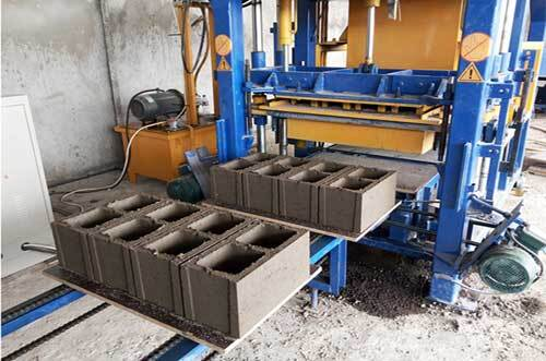 Outdoor maintenance of block making machine