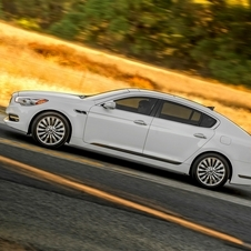 In profile you can see how similar the car looks to the Optima and Cadenza