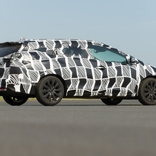 The Civic Tourer has not yet been shown undisguised, but it clearly has a larger rear than the hatchabck