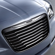 The grill is finished in dark chrome with a lighter chrome Chrysler badge