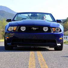 Ford Mustang GT Convertibe AT
