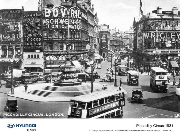 Hyundai Takes Over Piccadilly Circus