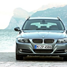 BMW 320i Touring Edition Sport Automatic