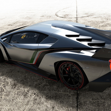 Supercarro utiliza o motor do Aventador com 750ps