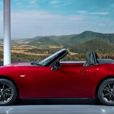 The new MX-5 is a new interpretation of the Kodo language, but this time with a more simple and sculpted look than the latest Mazda models