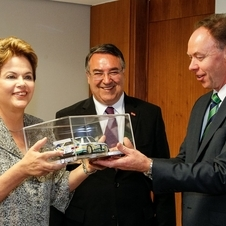 BMW Head of Sales Ian Robertson and the Brazilian President Dilma Rousseff