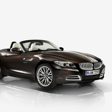 The Z4 Pure Fusion Design adds an exclusive Metallic Brown exterior color