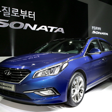 The new model is 35 millimeters longer and 30 millimeters wider than the previous generation Sonata