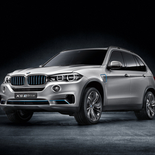 The X5 eDrive uses a plug-in hybrid to add range and efficiency to the car