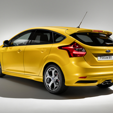 Ford Introduces New Focus ST 5-Door and ST Wagon with 247hp