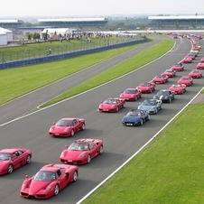 The previous record was set in 2007 when 385 cars were at Silverstone