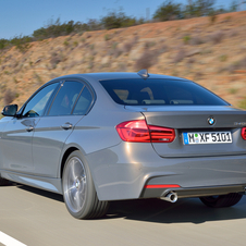The xDrive four-wheel drive versions will continue to be available with the 3 Series in the 320i, 320d and 330d versions