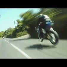 GUY MARTIN -VS- MICHAEL DUNLOP
